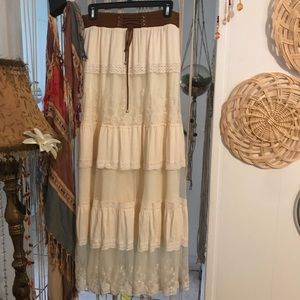 Dresses & Skirts - Gorgeous boho lace cream skirt with southw scarf
